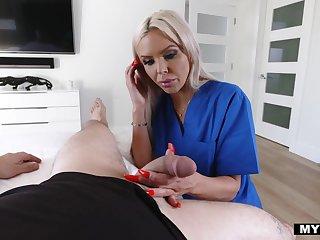 Sexy stepmom Nina Elle cures blue balls of her nerd stepson