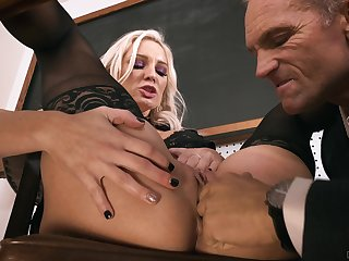Gagged MILF ends roughly soaked in sperm with the addition of pain in the neck gaped