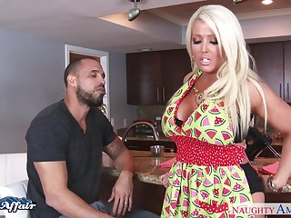 Kissing their way radiate big breasted blonde give stockings Alura Jenson is nailed