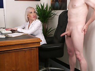 Discombobulated blonde fucked hammer away new guy after a short interview