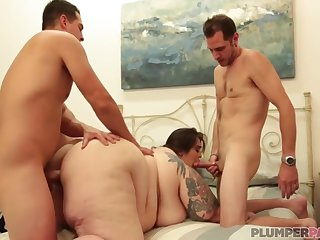 Bbw Bottoms Cant Get Enough Of This Load of shit And Wants More - Johnny Champ, John Strange And Veronica Bottoms
