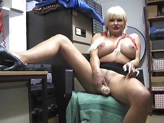 Big boobs mature Karen Kay opens their way legs to play with a dildo