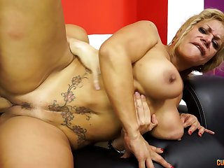 Busty festival MILF drops on will not hear of knees on every side make a large locate ready