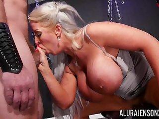 Video 2K hardcore - Blonde mature Allura Jenson - monster tits