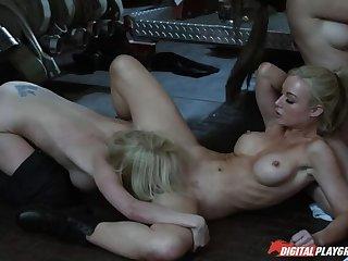 Body Heat - Scene 7