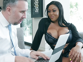 Agent nails huge-chested writer while hubby away