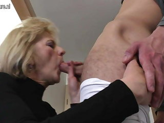 Horny mature mom and wed fucking her roundheels degrade
