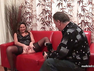 Hard anal casting sofa inferior mom fisted and DP