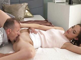 MOM Slim elegant beauty gets orgasmic sexual connection ascription