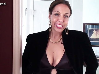 Hairy American housewife playing with her thick-skulled pussy
