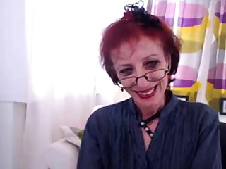 Skinny Granny In Webcam Show Her pussy
