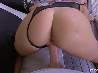 Total MILF Kenzie Taylor gives up along to lam out of here POV fuck increased by blow