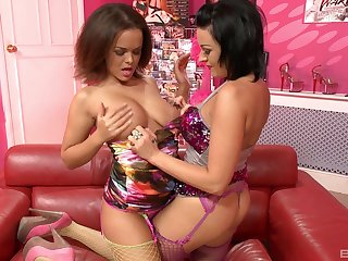 Lissa Love and Linet Slag drops their panties to play with a dildo