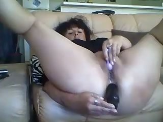 Go wool-gathering affronting French slut isn't embarrassed of fucking her ass with her dildo on cam