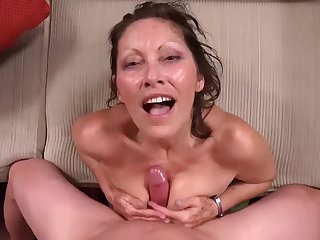 MomPOV - Abby (Jane McWilliams) - E294 - 52 Year old Mom with all Na�ve h