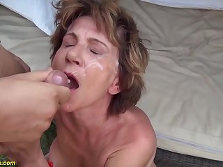 76 years old mom outdoor fucked by her day