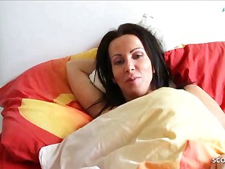 German Daughter Wakes about Front Mama and Seduces say no round to Fuck