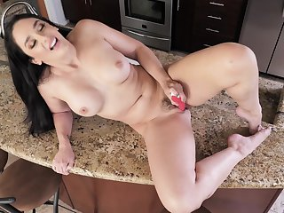 Mommy handles her toy relating to a perfect morning solo shag
