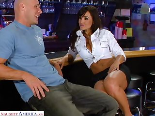 Legendary porn video featuring coitus bomb Lisa Ann and Johnny Sins