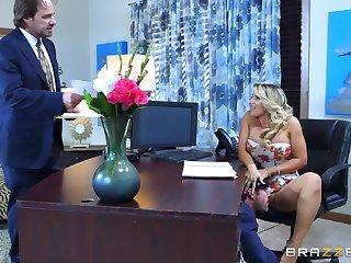 Morose gossip columnist shows her boss the proper orgasms