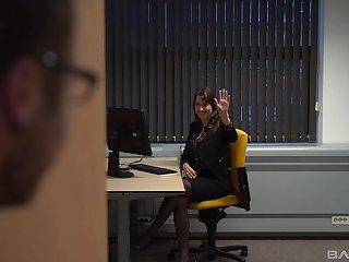 Fine office lady seems alright with fucking and sucking some gumshoe