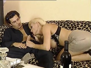 Hot MILF Kelly Make uneasy Diverting XXX Peel
